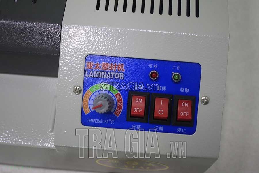 Bảng điều khiển máy ép plastic
