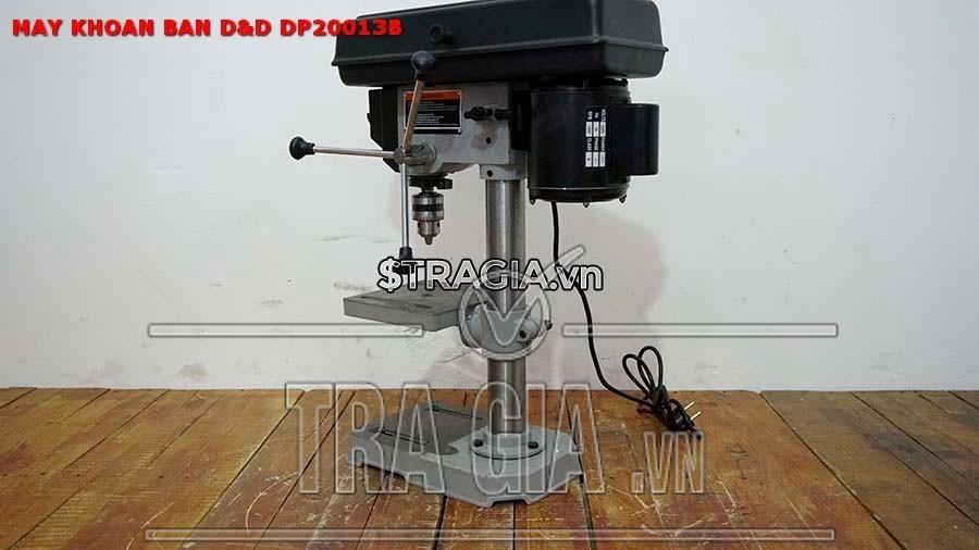 Máy khoan D&D DP20013B có khung kẹp cố định giúp người dùng dễ dàng khi sử dụng