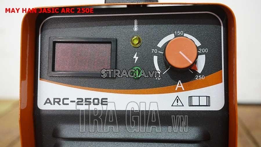 Bảng điều khiển của máy hàn ARC-250E