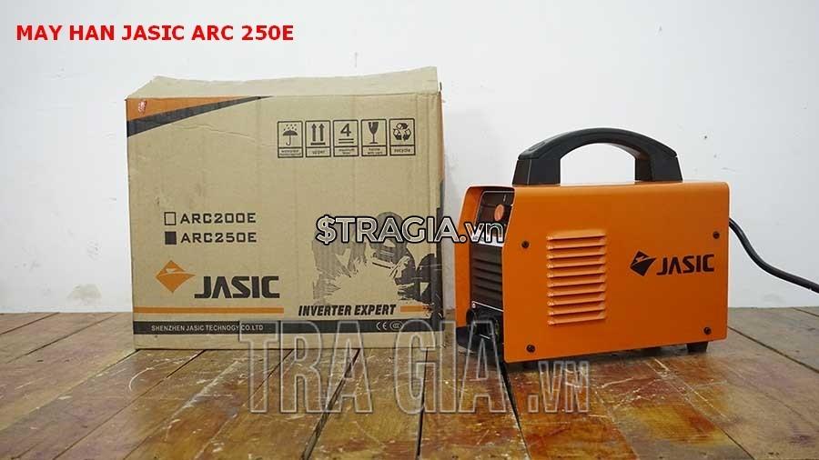 Máy hàn Jasic ARC250E cùng thùng đựng sản phẩm